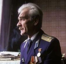 Станислав Евграфович Петров (род. 1939) — советский офицер, который 26 сентября 1983 года предотвратил потенциальную ядерную войну, когда из-за ложного срабатывания системы предупреждения о ракетном нападении поступило сообщение об атаке со стороны США. Подполковник в отставке.